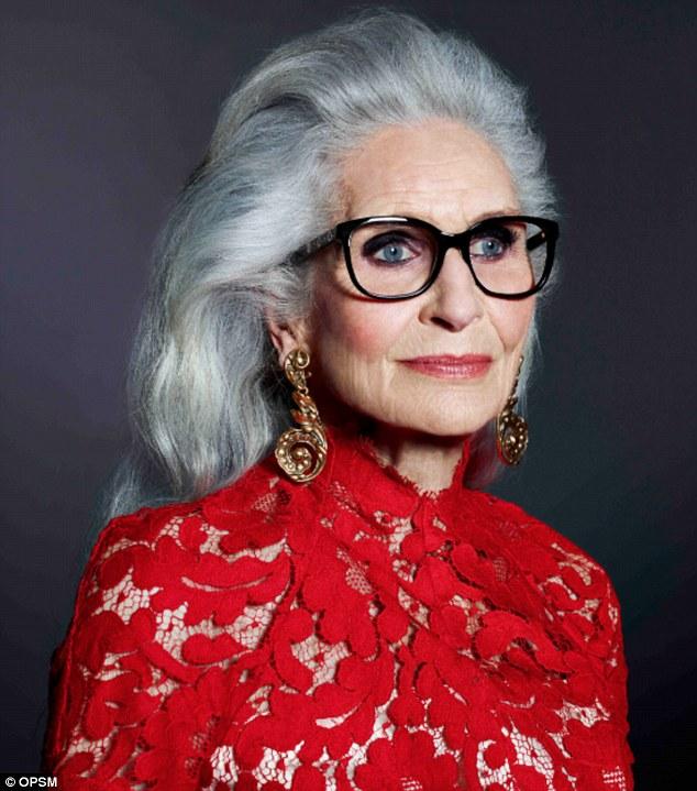 Daphne Selfe, model la 87 ani - Roxanainka (1)